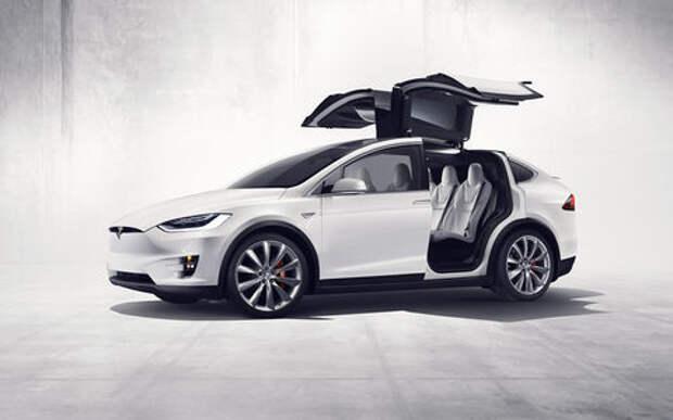 Покупательница Tesla отсудила 20 миллионов за неработающие ключи
