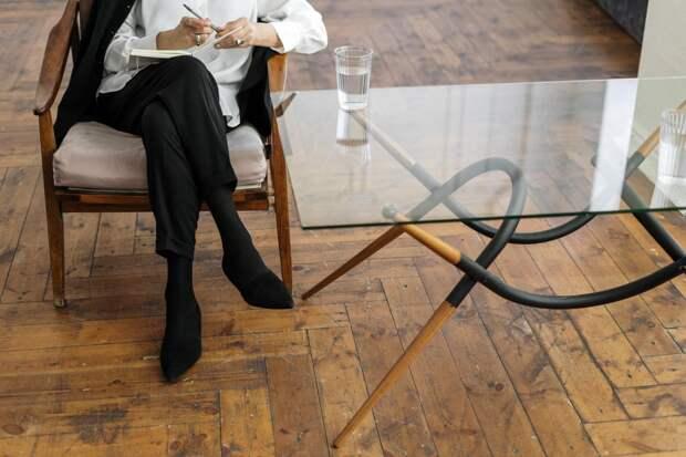 «В кабинете психолога»: о чем молчат современные женщины