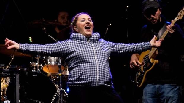 Плюнули сами в себя, мерзость!: В России застыдили сами себя из-за концерта грузинки Катамадзе, оскорбившей русских