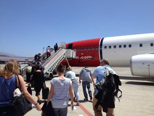 Организованных российских туристов вывезли из Турции и Танзании