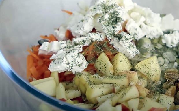 4 салата из моркови на каждый день: смешиваем с капустой, свеклой и столовым уксусом