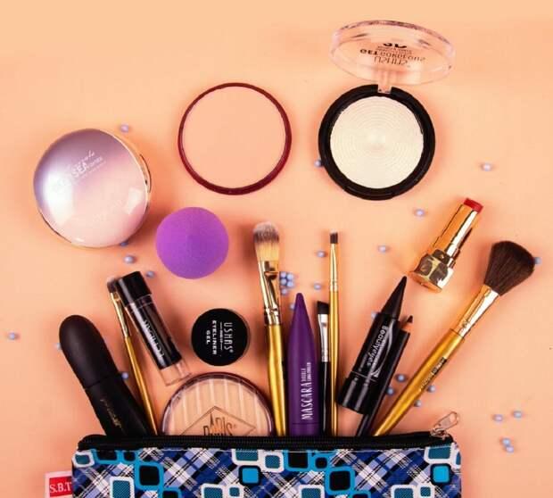 Сроки годности косметики: сколько ее хранить?