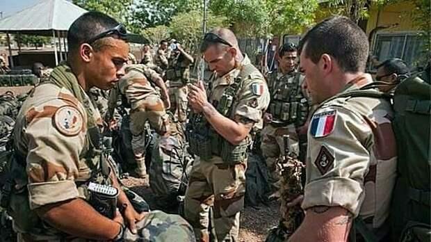 Вероятно, Франции придётся просить помощи у России для безопасного вывода своих подразделений из Сирии