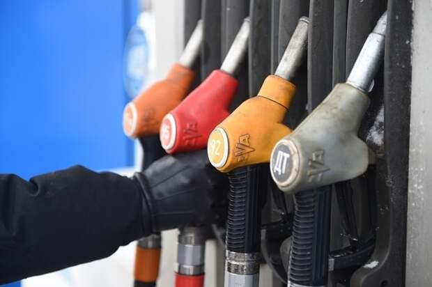 Договоренность правительства с нефтяниками не остановила роста цен
