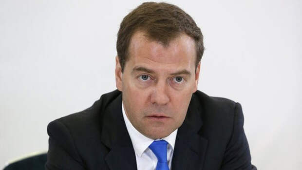 Медведев указал на искусственное усугубление конфликта на востоке Украины