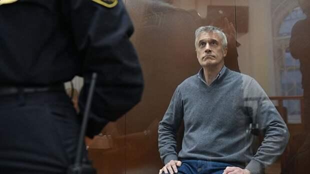 Сегодня Басманный суд Москвы заключил под стражу гражданина США