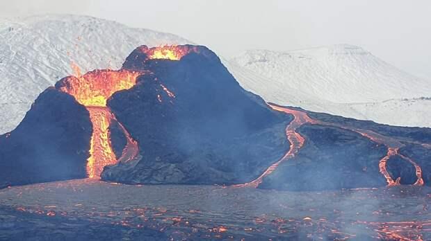 Ученые объяснили, почему нет точного способа предсказать извержение супервулкана