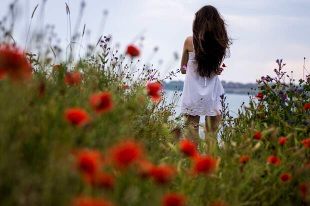 Фотографии красивые девушки брюнетки с цветами » Портал ...