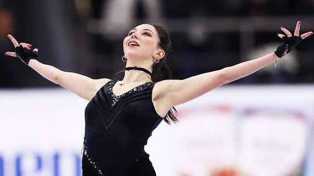 Туктамышева забавно скатилась с бортика на лед во время тренировки на первом сборе после самоизоляции: видео