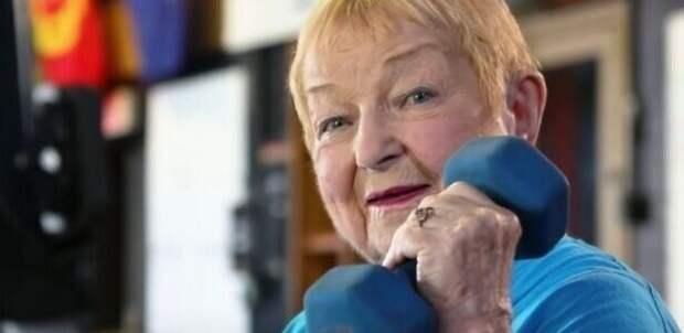 100-летняя американка стала старейшим пауэрлифтером в мире