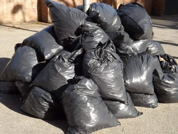 Из мусорокамеры дома на Селигерской убраны посторонние предметы