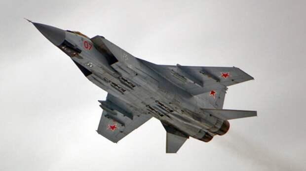 Истребитель МиГ-31 оснастили ракетами малой дальности для ближнего боя