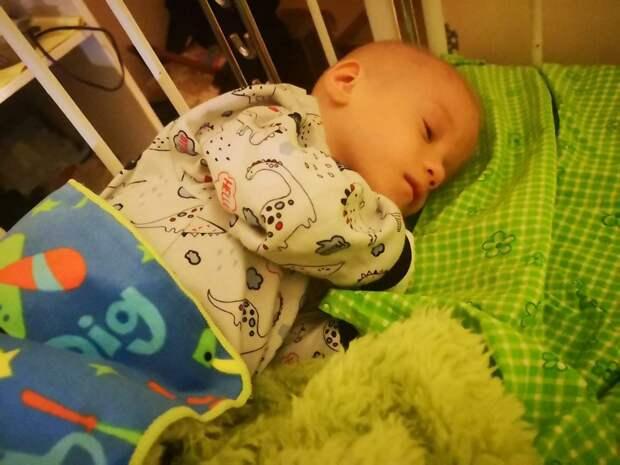 Приёмная семья забрала истощенного мальчика из детдома в Симферополе: что случилось