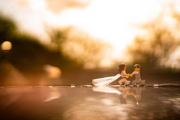 Свадебный фотограф на карантине сделал фотосессию фигуркам LEGO