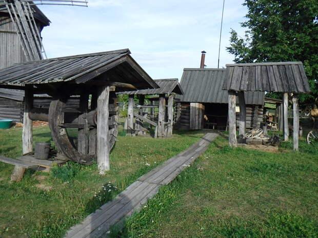 Столица горных черемисов - они мирно воссоединились с Россией, в отличии от своих собратьев...