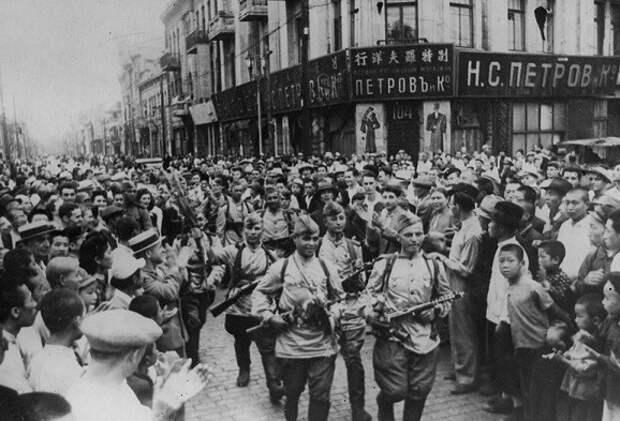 Советские и русские солдаты: чем отличается отношение к ним китайцев