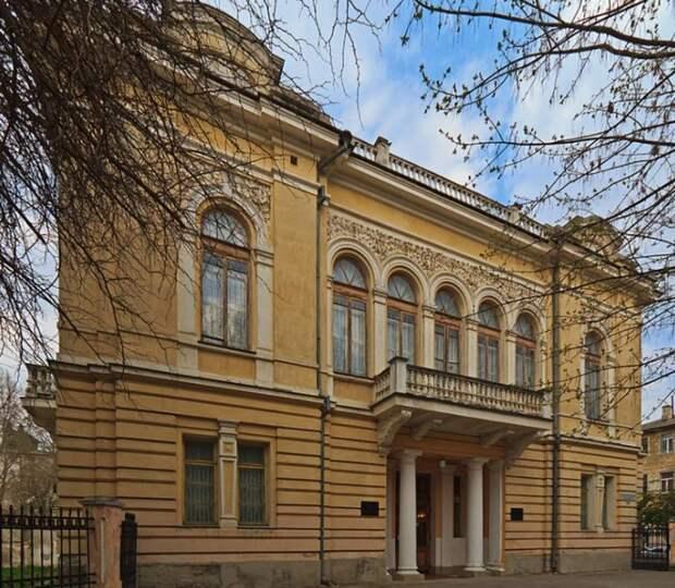 В Симферопольском художественном музее в мае откроется две новых выставки