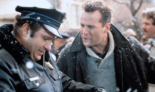 """Кадр из фильма """"Крепкий орешек 2"""" (1990)"""