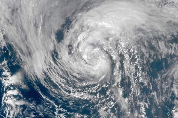 К побережью Техаса и Луизианы приблизился ураган «Лора»