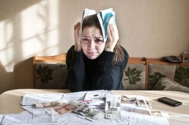 Госдума приняла закон о штрафе до 500 тысяч рублей за угрозы должникам