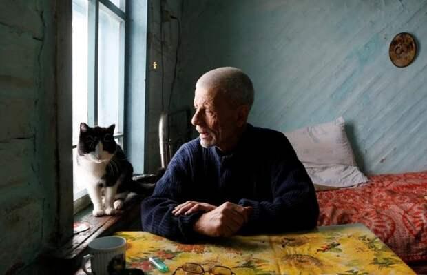 Все ушли, а он остался. 17 фото последнего жителя деревушки со 150-летней историей дедушка, деревня, люди