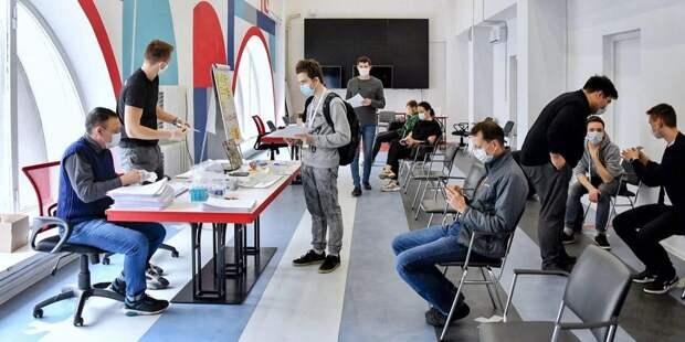 Собянин лично поблагодарил волонтеров за работу в период пандемии / Фото: mos.ru