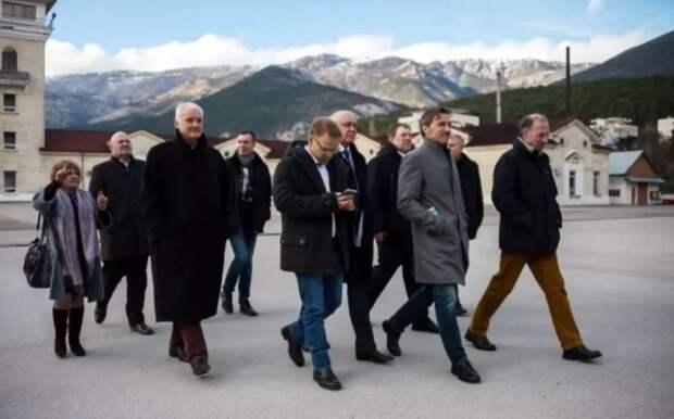 Главе делегации Германии после посещения Крыма стало стыдно за Европу