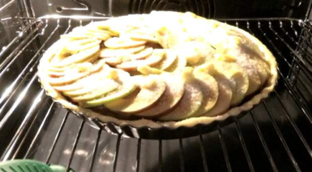 Когда созревают сливы и яблоки пеку этот пирог каждую неделю. Все едят с удовольствием!