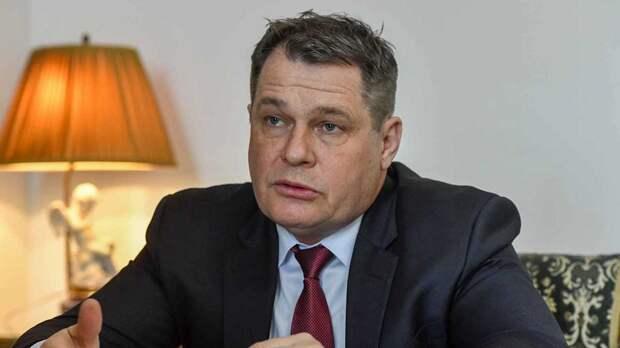 Посол Чехии планирует посетить парад Победы на Красной площади