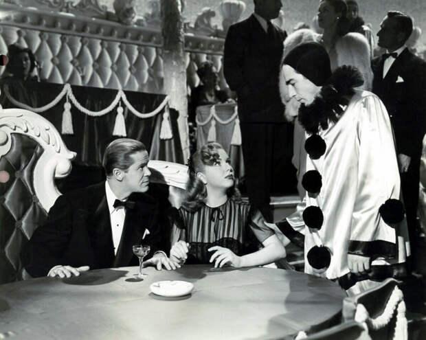 """Кадр из фильма """"Леди в поезде"""" (1945)"""
