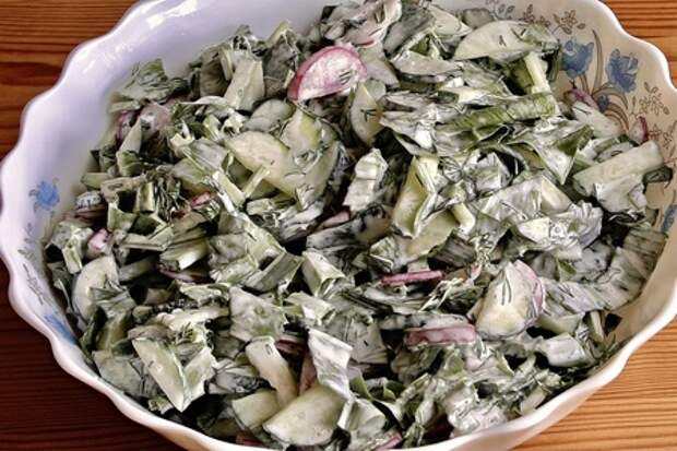 Витаминный салат со свежей черемшой