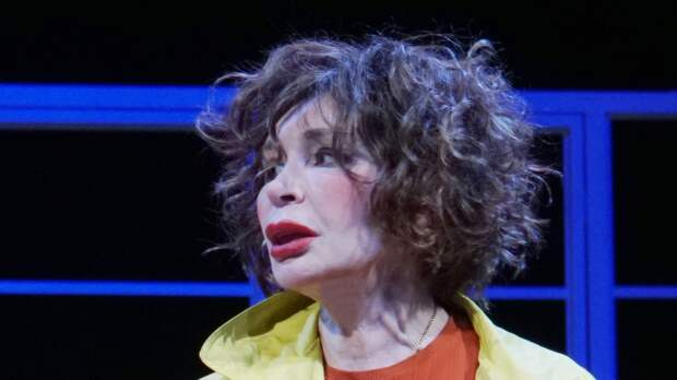 Татьяна Васильева убеждена, что актрисам невозможно выстроить карьеру без интима