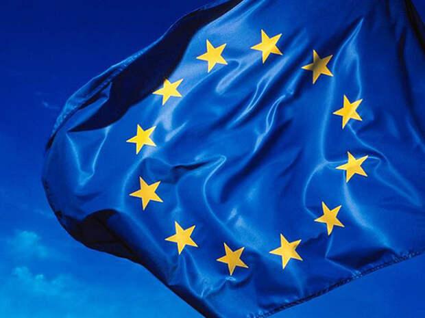 AFP: ЕС открывает границы для туристов, привитых от коронавируса