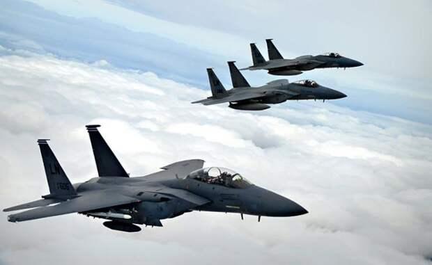 Истребители ВВС США  F-15 Strike Eagle