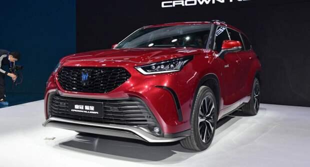 Toyota откроет прием заказов на Crown Kluger этим летом