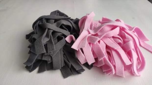 Каждый кусочек ткани должен пойти в дело. Красота из полосок флиса