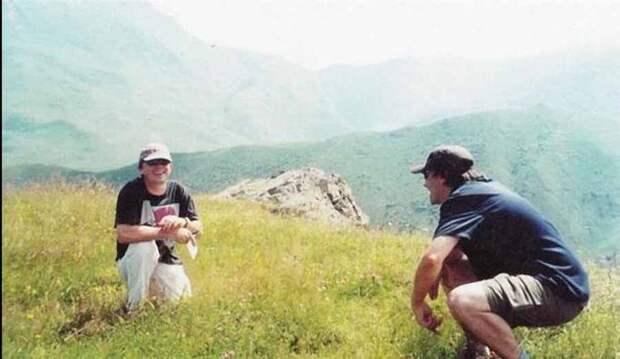 Сергей Бодров на съёмках фильма Связной. Северная Осетия, Кармадонское ущелье, 2002 год