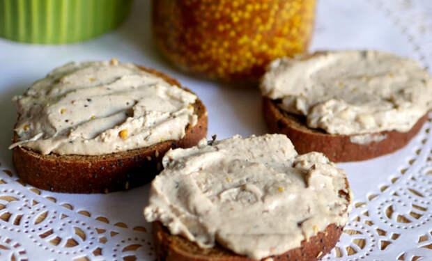 Намазка из шпротов и сыра: на масло теперь даже не смотрят