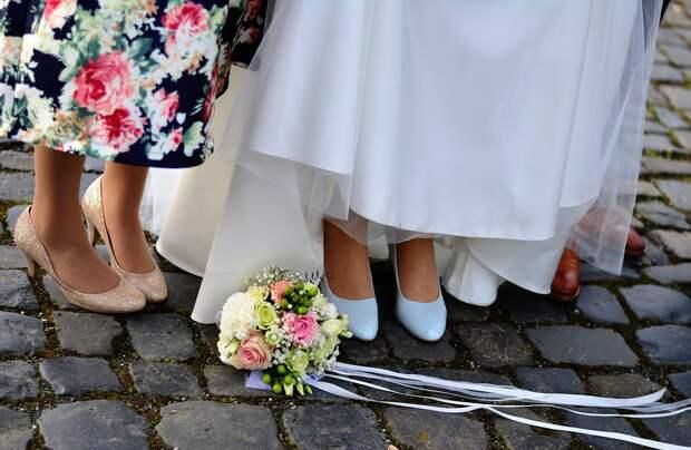 Мама, прости: в Можге на регистрацию брака разрешили пригласить только одного гостя