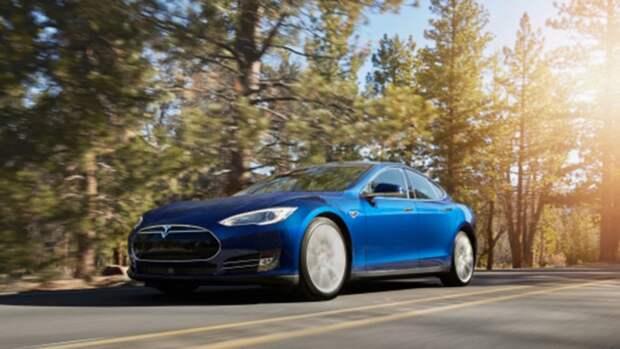 Компания Tesla снова подняла цены на свои электрокары