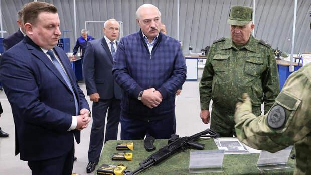 Лукашенко решил обучить белорусов обращаться со стрелковым оружием
