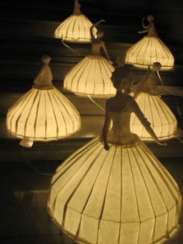 Эффектные работы мастеров из обычной бумаги и света