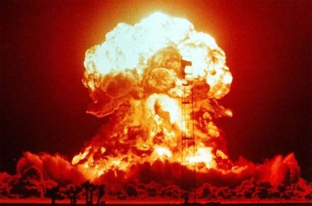 В США обнаружили неизвестное вещество на месте взрыва ядерного устройства