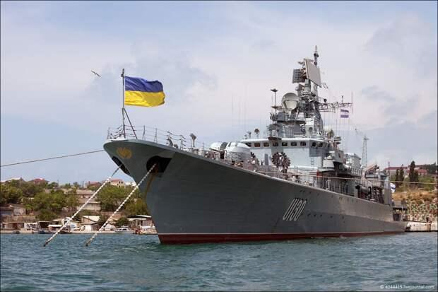 РФ назвала условие возвращения боевых кораблей Украине