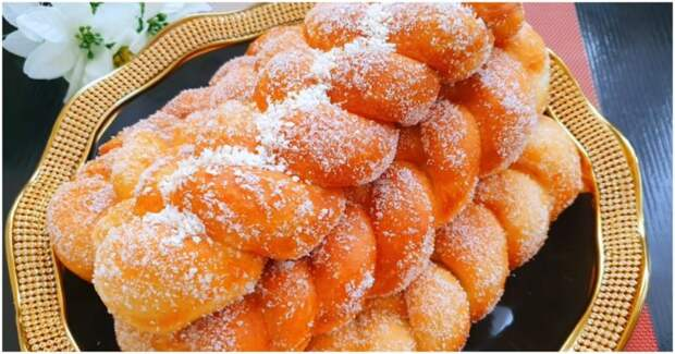 Манка, вода и любая начинка: аппетитные булочки из самых простых продуктов
