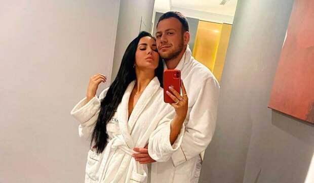 Беременную звезду «Дома-2» Левченко увезли на скорой после ссоры с мужем