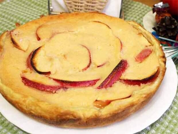 яблочный пирог с йогуртовой заливкой