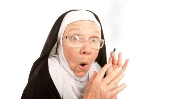 Блог Павла Аксенова. Анекдоты от Пафнутия про монашек. Фото creatista - Depositphotos