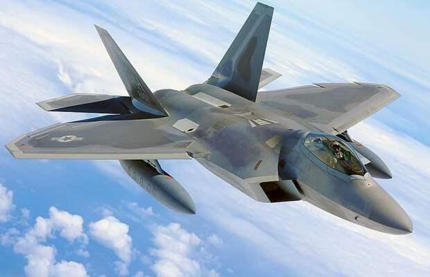 США разместят на Аляске 150 истребителей пятого поколения F-35 и F-22