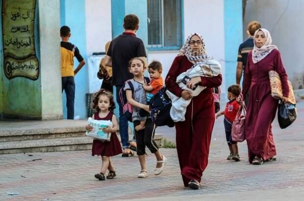 Более 400 россиян и граждан СНГ эвакуируют из сектора Газа